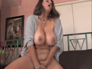 Masturbabe 33: Big Natural Tits Porn Video 7e
