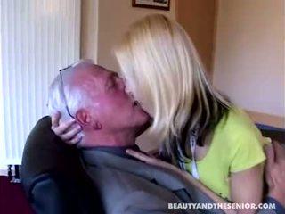Abuelo, deja internet y follame