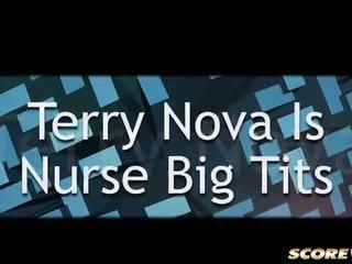 Terry nova 是 护士 大 奶