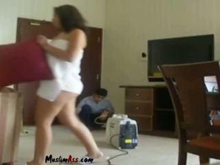 Saudi Wife Flashing Indian Room Service