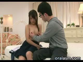 japanilainen, pienet rinnat, yhdenmukainen