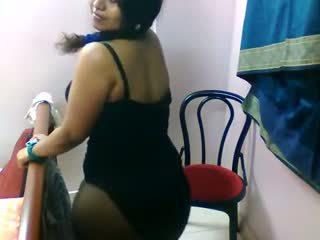 インディアン セクシー tamil 女の子 exposing 彼女の セクシー 大きい booby ボディ で