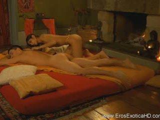 Menghisap zakar arahan boleh menjadi erotik, terlalu