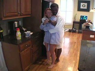 แม่บ้าน เซ็กส์ระหว่างคนต่างสีผิว ผัวมีเมียน้อย ความรัก