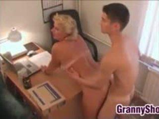 巨乳, おばあちゃん, フェラチオ, 古い+ヤング
