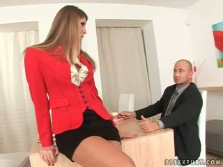 Secretary getting her feet worshipped