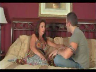 แม่ และ เด็กผู้ชาย แต่งงาน และ moves ไป สวมบทบาท: ฟรี โป๊ 13
