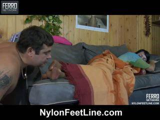Kívánós guy awaking egy sleepy picsa