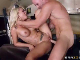 ung, stora bröst, big butt