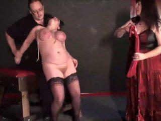 Зріла лесбіянка slavegirls bizarre punishment