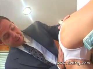 美麗 烏木 母狗 chyna sucks 和 fucks 硬 schlong 和 gets 她的 的陰戶 engorged 同 白 spunk