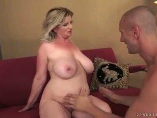 Young man fucks his hot busty mature girlfriend