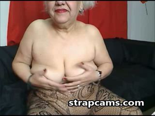 Granny whith glasses show us her body on screen