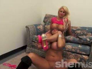 Nikki jackson a megan avalon hrať spolu