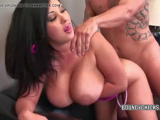 Mature Slut Jaylene Rio is Getting Her Latina Twat...