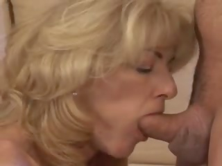 Richele: Free American & Mature Porn Video 0b