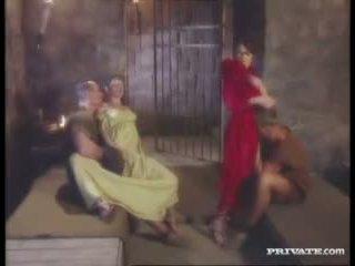 Cleare ve jyulia, dp patron ile the gladiators içinde the hücre