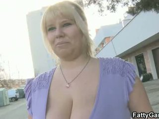 Sexy BBW picks up him for play