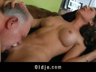 Lama butler berkhidmat seks kepada beliau spoiled wanita bos