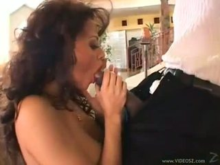 Curly ইউরোপীয় মেয়ে olivia del rio eagerly takes একটি monstrous বাড়া মধ্যে তার টাইট মুখ