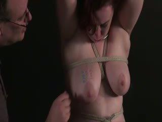 Amateur aiguille torture de gros seins english slaveslut