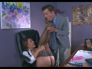Brunette Big Tit Babe in Stockings at Office: Free Porn ad