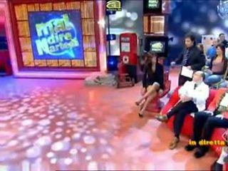 Vyhrnutá sukňa televízie shows