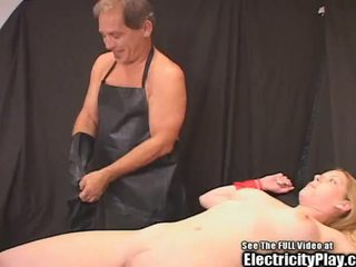 Candi apple seks mengikat tubuh electro therapy!