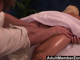 Adultmemberzone - гаряча краля emma mae receives a дуже хороший