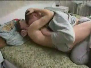 Pijane mama fucked przez jej syn
