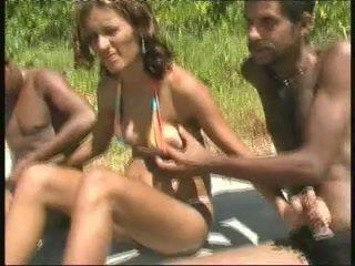 ブラジル人 妊娠した フッカー 輪姦