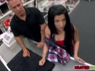 Gorące seksowne brunetka kubańskie gets fucked ciężko