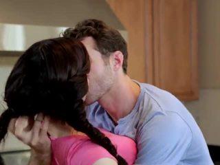 Jenna ross gefickt im die küche