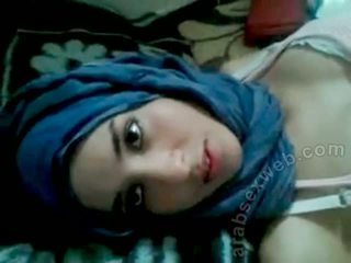 Goergeous arab gagica cu bf-asw1039