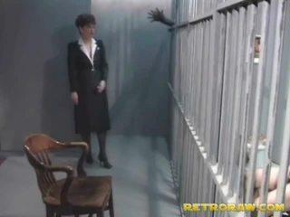 A uzbudinātas prisoner