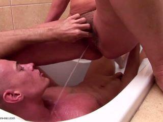 Diwasa mom and grannies piss and fucks young son: porno 85