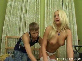 Caliente adolescentes having lewd sexo