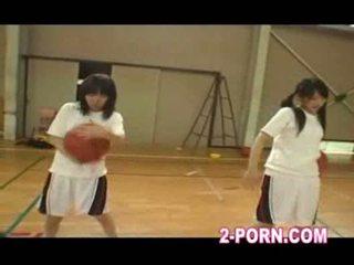 Jap κορίτσι του σχολείου μπάσκετ πρακτική 01