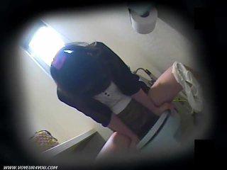 Toilet masturbation di tersembunyi camera