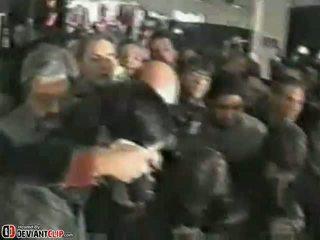 Уличница gives а shocking публичен духане