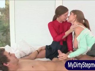 Krūtainas pieauguša māte darla crane shares dzimumloceklis ar maddy oreilly