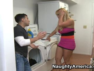 Sensuous fair haired suka shyla stylez gets used