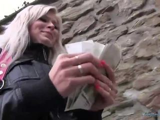 Sexy Radka fucked in the toilet for cash
