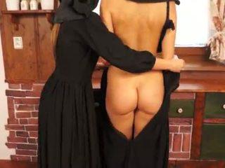E ndyrë catholic nuns duke e bërë sins dhe licking pidh