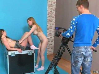 Lora a jazzy svést cameraman