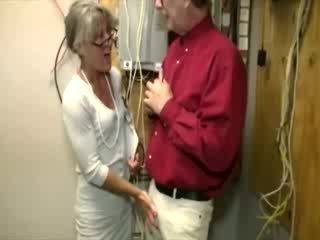Sexy old lady gets on her knees to jerk