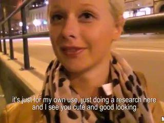 Amatorskie blondynka paid kasa na publiczne anal