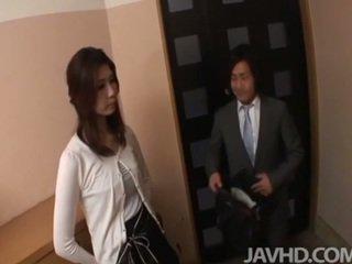 มีอารมณ์ businessman seduces เซ็กซี่ เสือภูเขา