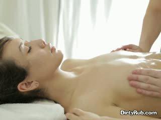 Ada loves getting αυτήν μουνί λαδωμένος/η επάνω και massaged