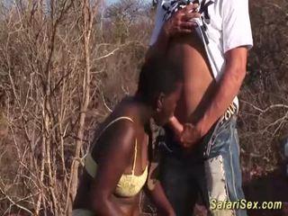 Afričanke globoko grlo safari orgija <span class=duration>- 12 min</span>
